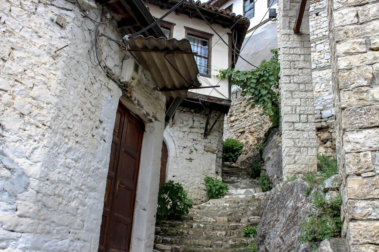 Kleine, hübsche Gassen in Berat.