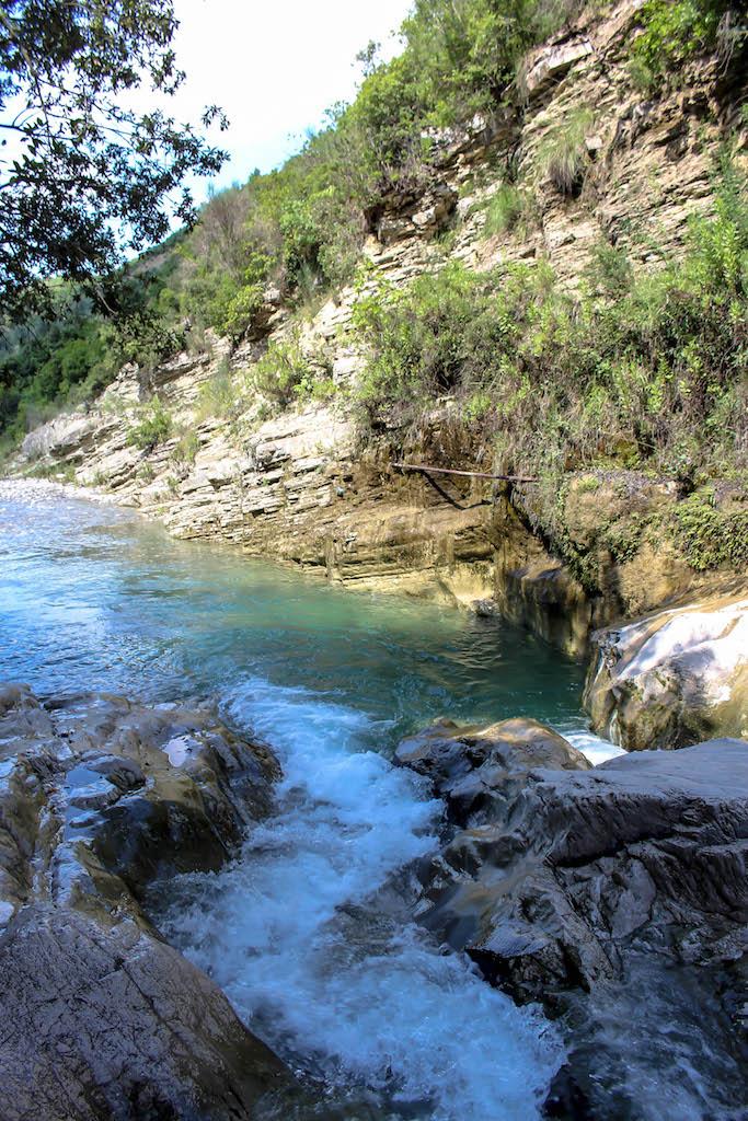 Der gemütliche Sinec Canyon in Albanien.