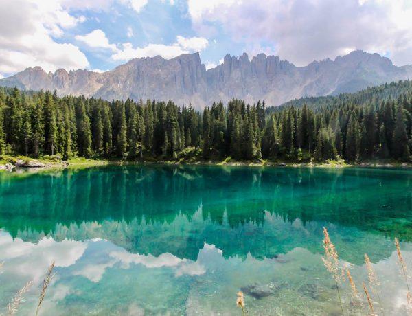 Der Kalterer See in Südtirol.