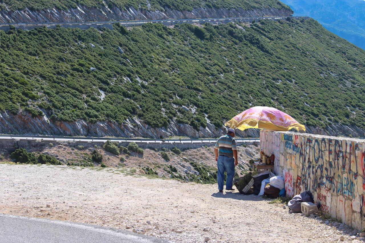 Honigverkäufer auf dem Llogara Pass.