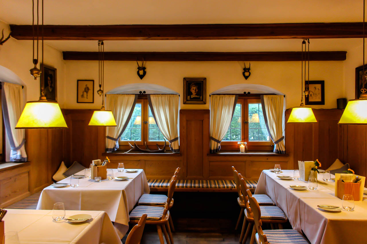 Bayrische Gaststube bei Kreuth.