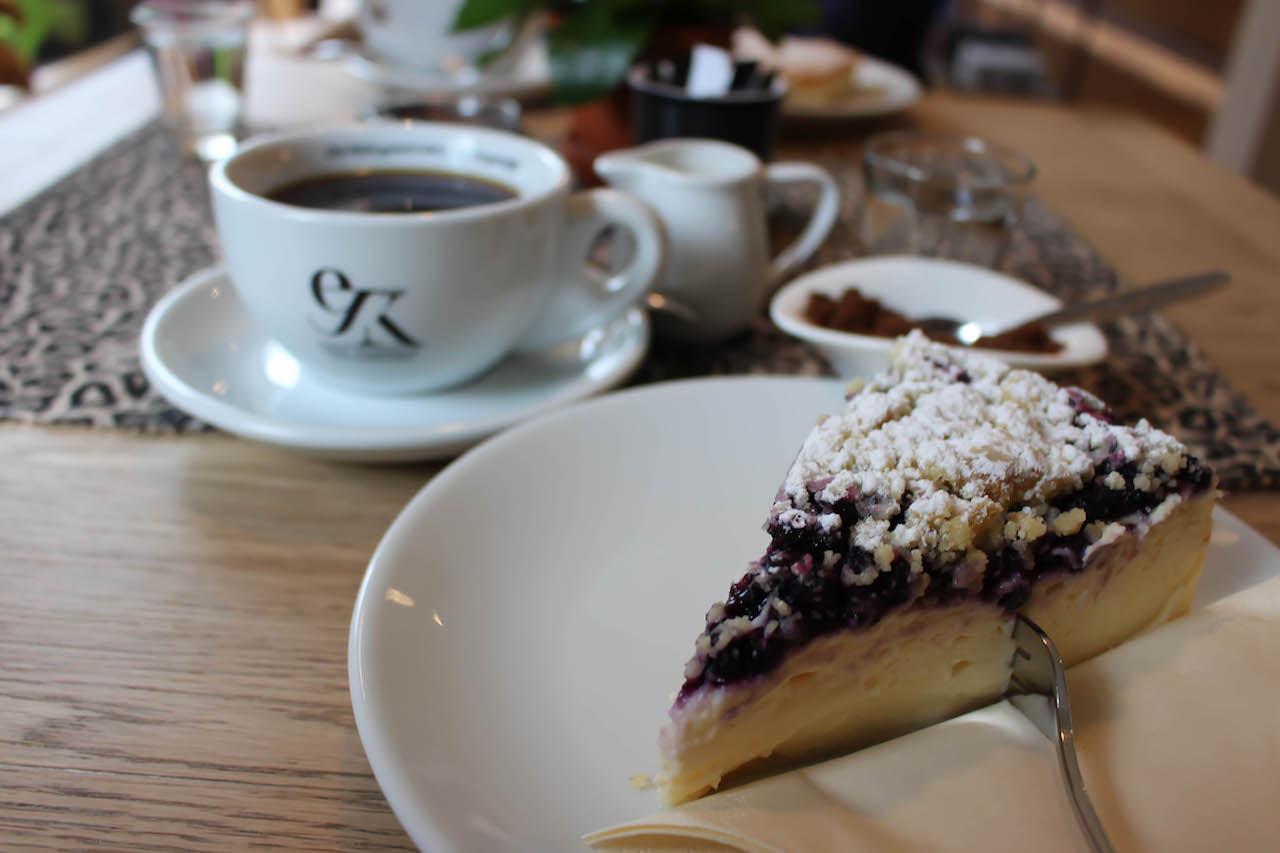 Kaffee und Kuchen. Wie es sich in Deutschland gehört.