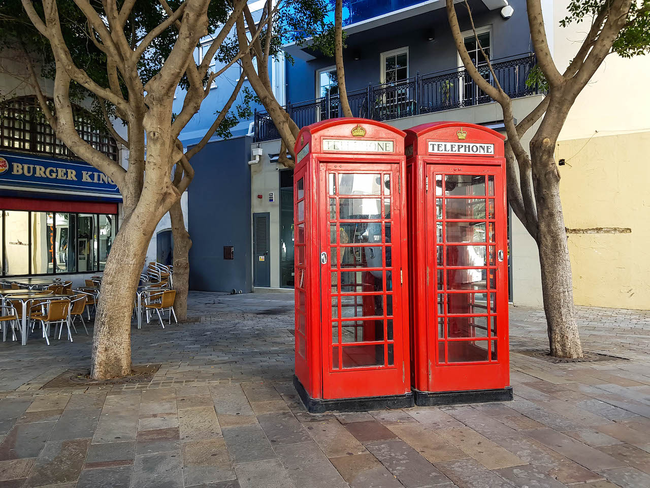 Rote englische Telefonkabine.