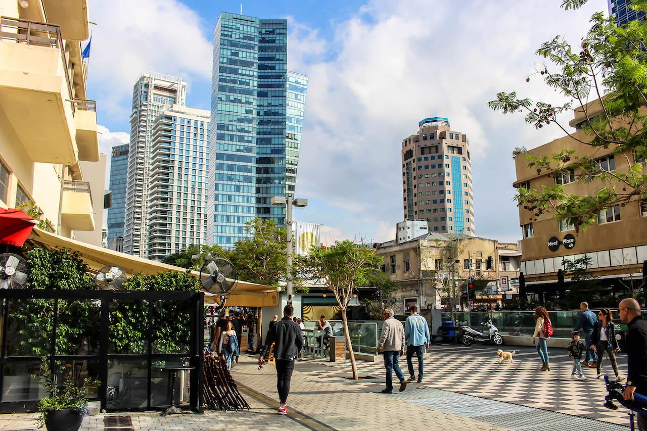 Am Rothschild Boulevard in Tel Aviv.