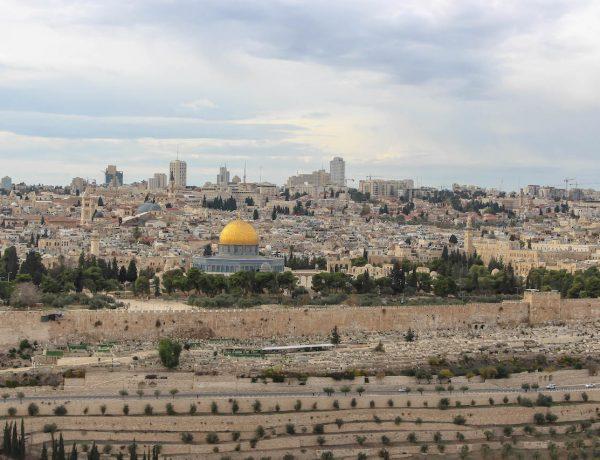 Der erste Blick auf die Heilige Stadt Jerusalem.