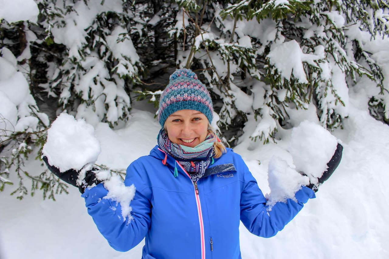 Sarah im Schnee.