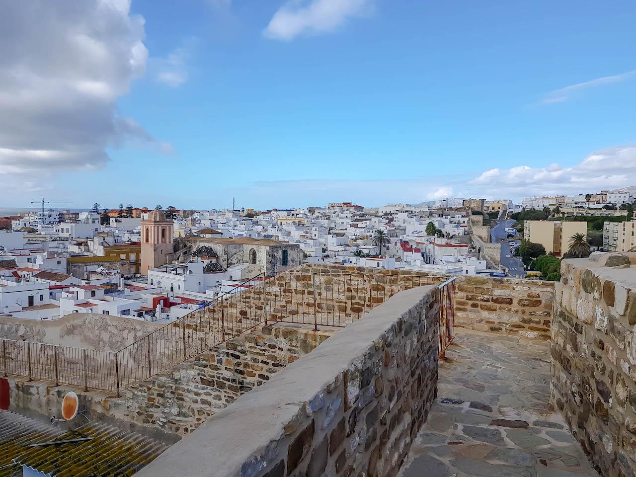 Die alte Stadtmauer von Tarifa.