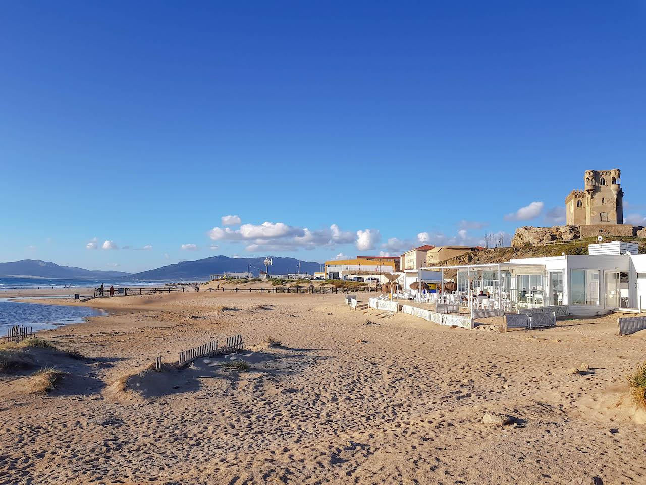 Strandbar an der Playa de los Lances.