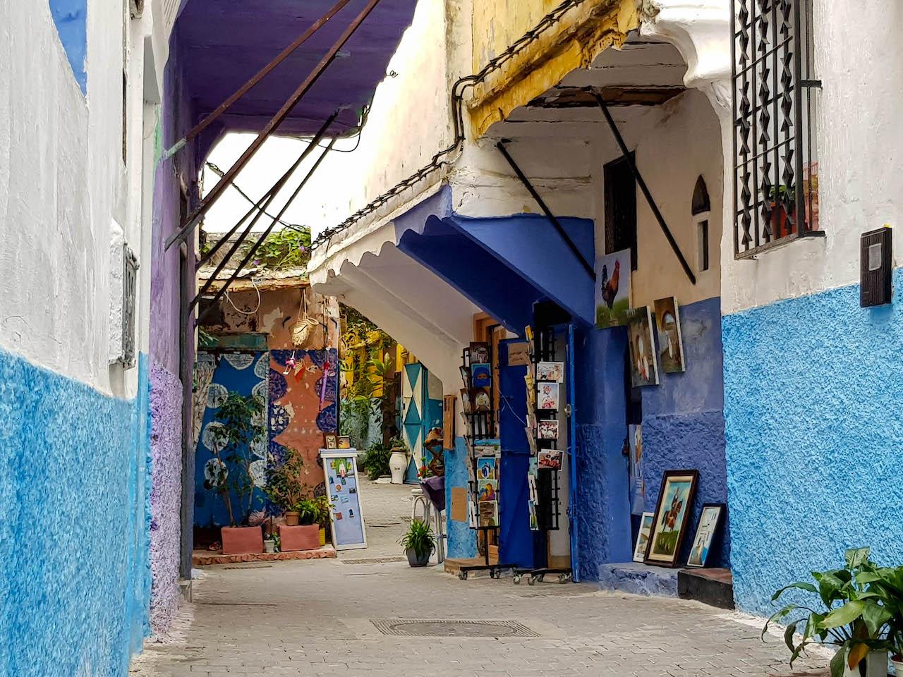 Gasse im Kasbah Viertel von Tanger.