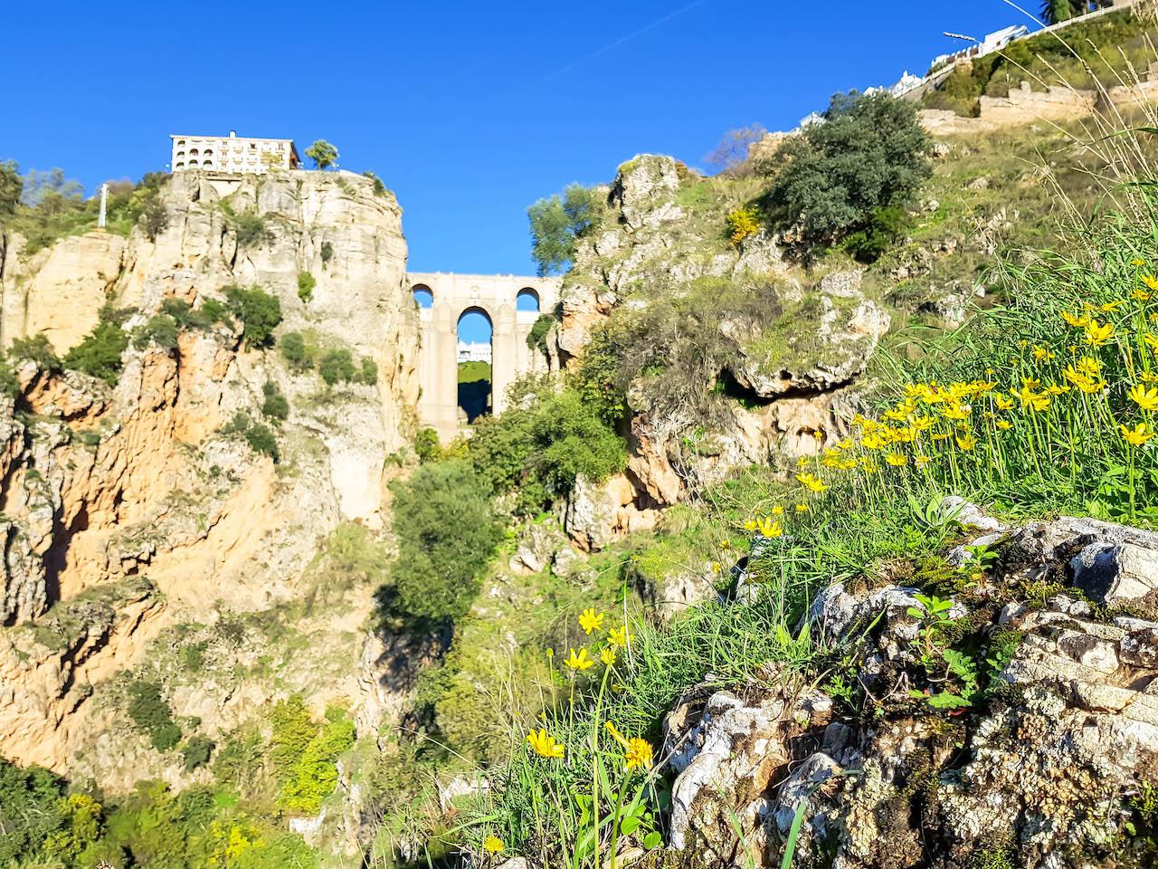 Eine etwas andere Perspektive auf die Brücke von Ronda.