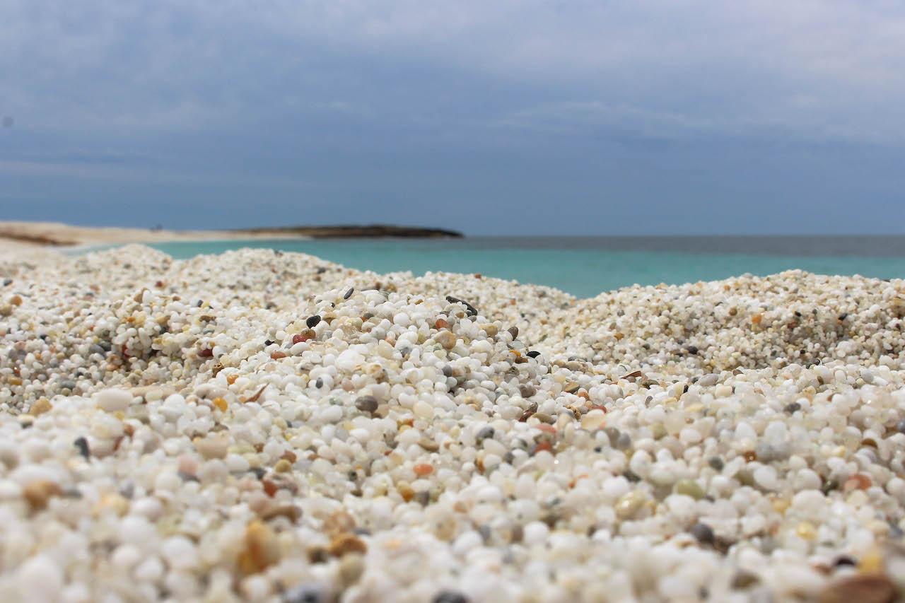 Der Strand Is Arutas auf Sardinien.