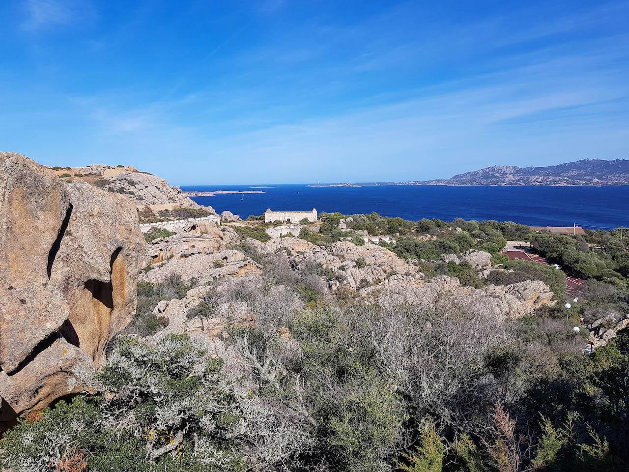 Wunderbare Aussichten auf das Maddalena-Archipel.
