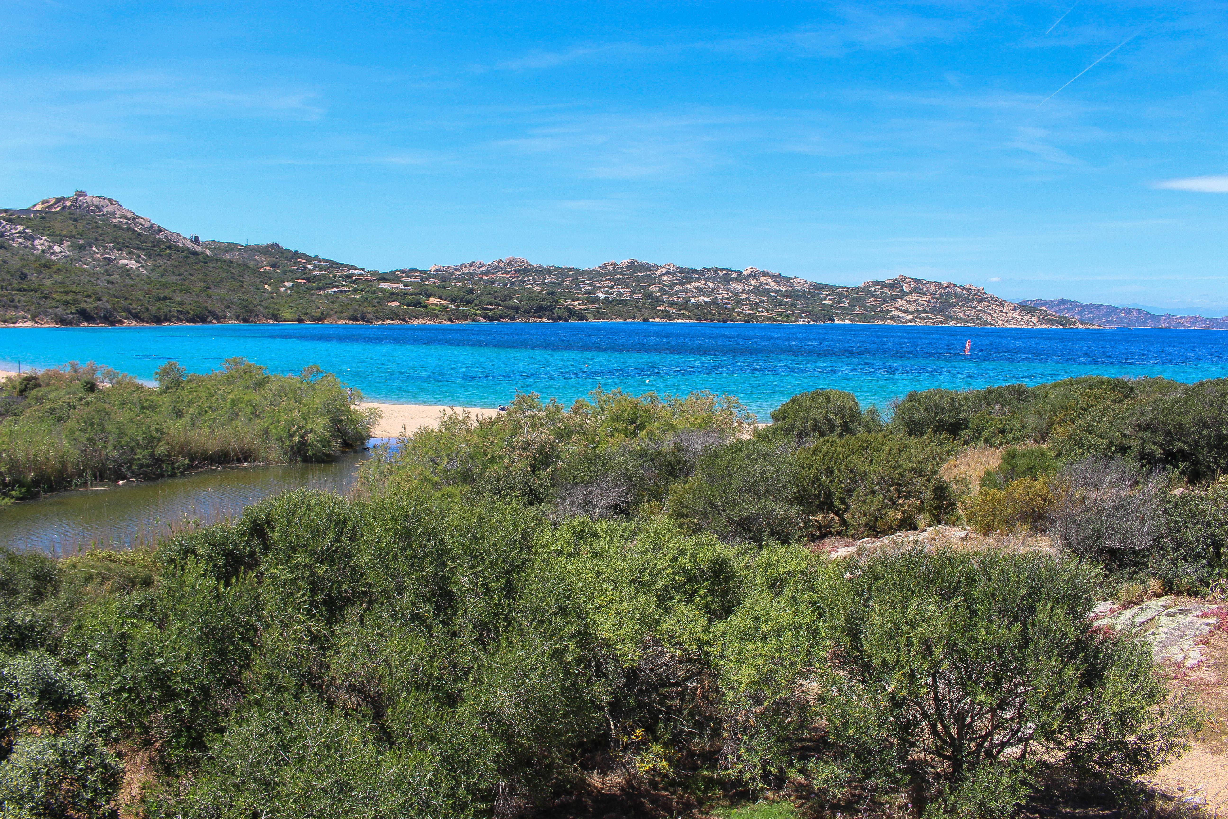 Strand bei Palau, Sardinien.