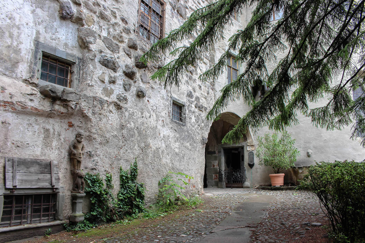 Der Innenhof der Burg Meersburg.
