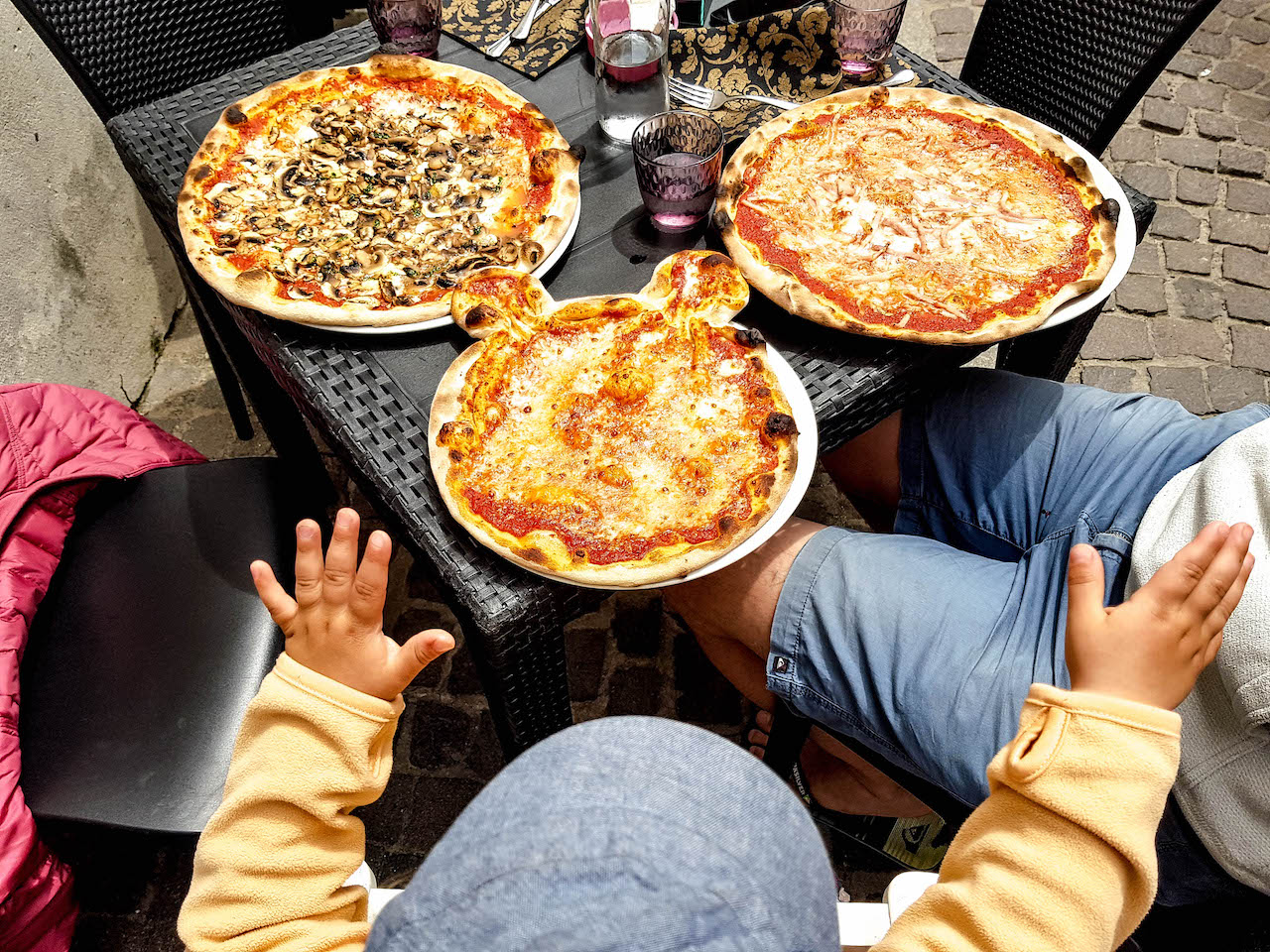 In Oristano freut sich jemand über Pizza!