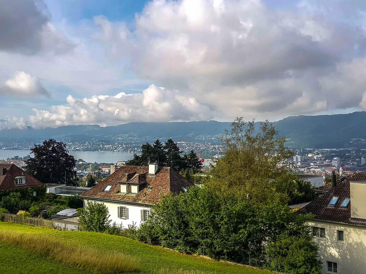 Aussicht von der Bergstation Rigiblick.
