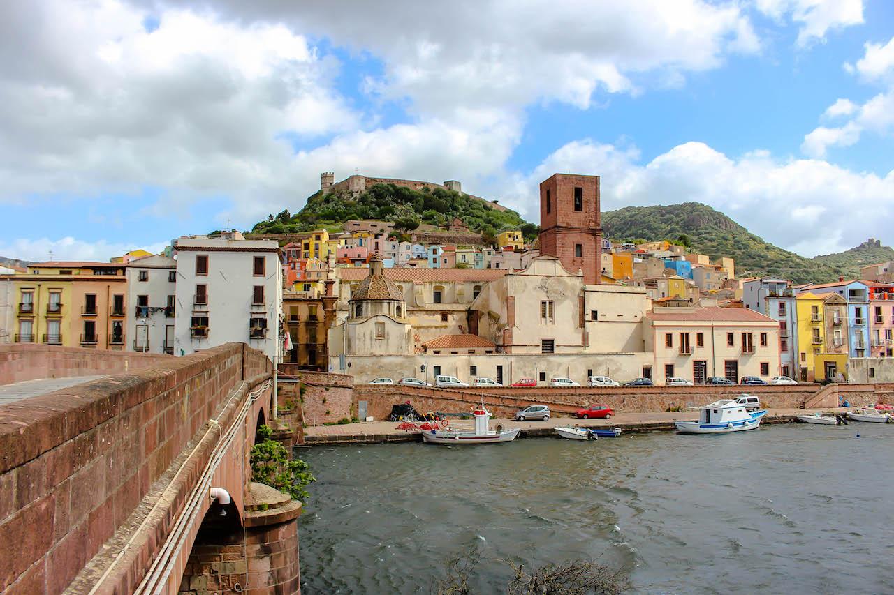 Bosa gehört zu den schönsten Städten Sardiniens.